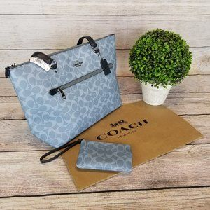 COACH Tote Signature Canvas galery with wallet
